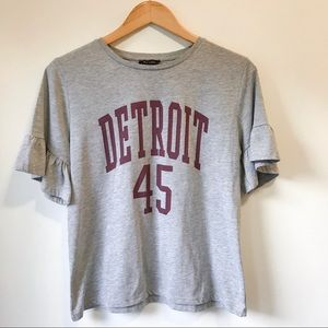 NEW LOOK Ruffle Sleeve Detroit T Shirt Size 8